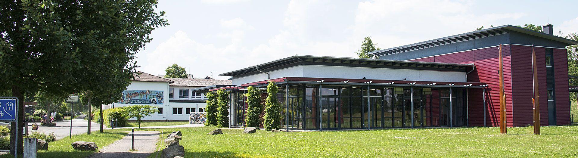 internat landschulheim steinmühle von außen in marburg, hessen